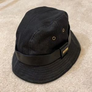 Authentic Gucci black denim bucket hat (L)